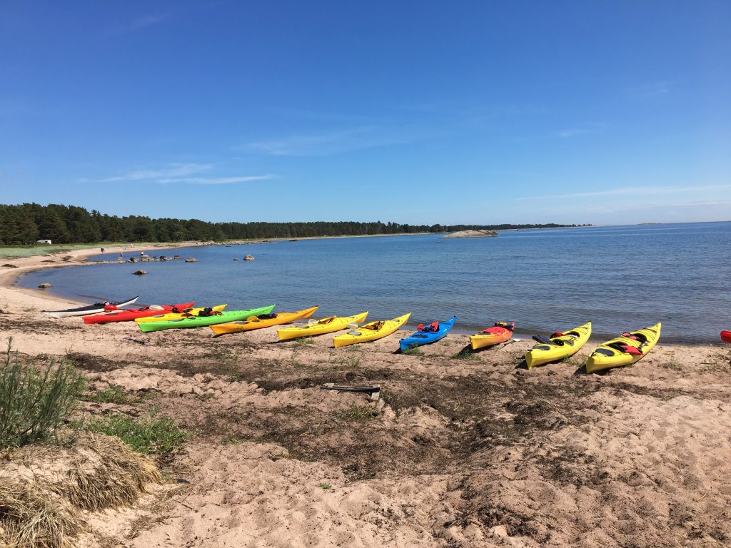 Activites for groups along the sandy beaches of Hanko.